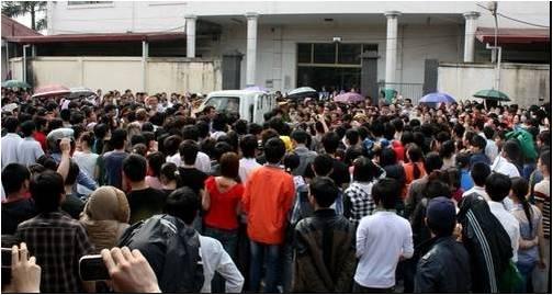 Khoảng 2.400 công nhân đình công tại nhà máy giầy da Liên Dinh 2 (Hình- Hải Phòng online)