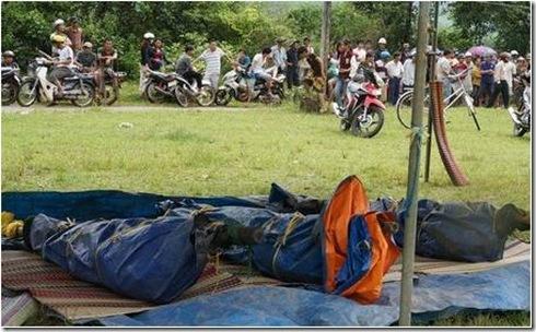 TinTongHopLDV 20130508 - 3 công nhân ch_t ng_t nhi_u ngày trong h_m m_ vàng (_nh Dân Trí)