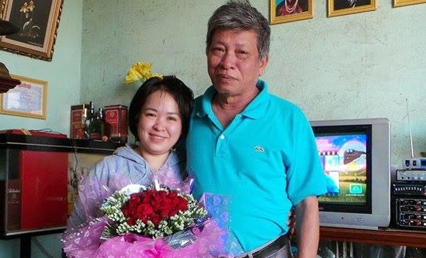 do_thi_minh_hanh_with_father
